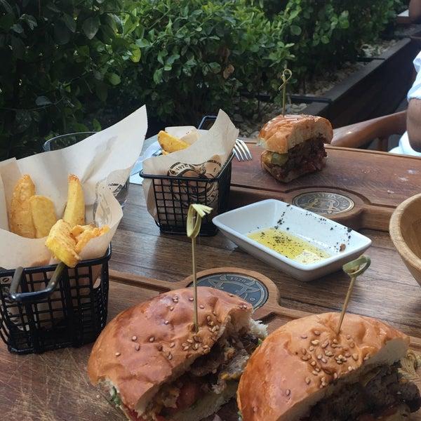 6/25/2019 tarihinde Betul K.ziyaretçi tarafından Bonfilet Steak House & Kasap'de çekilen fotoğraf