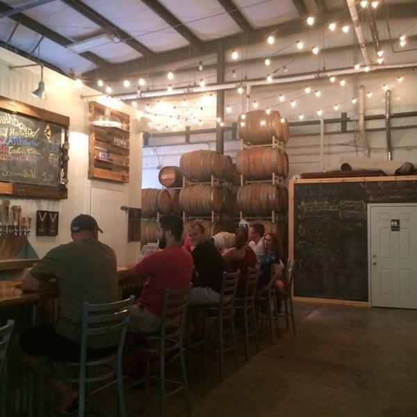 Das Foto wurde bei Southbound Brewing Company von Natalie M. am 6/13/2015 aufgenommen