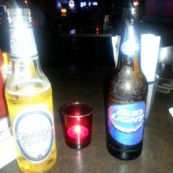 8/31/2013에 Carissa S.님이 Jerseys Bar & Grill에서 찍은 사진