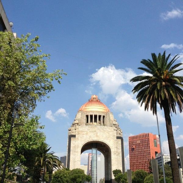 Foto tomada en Monumento a la Revolución Mexicana por Iván R. el 7/26/2013