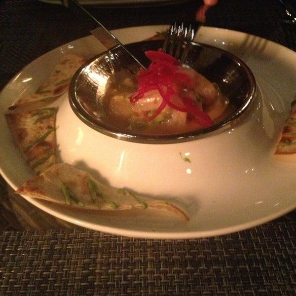 รูปภาพถ่ายที่ Maya Modern Mexican Kitchen + Lounge โดย Taisiia I. เมื่อ 3/2/2013