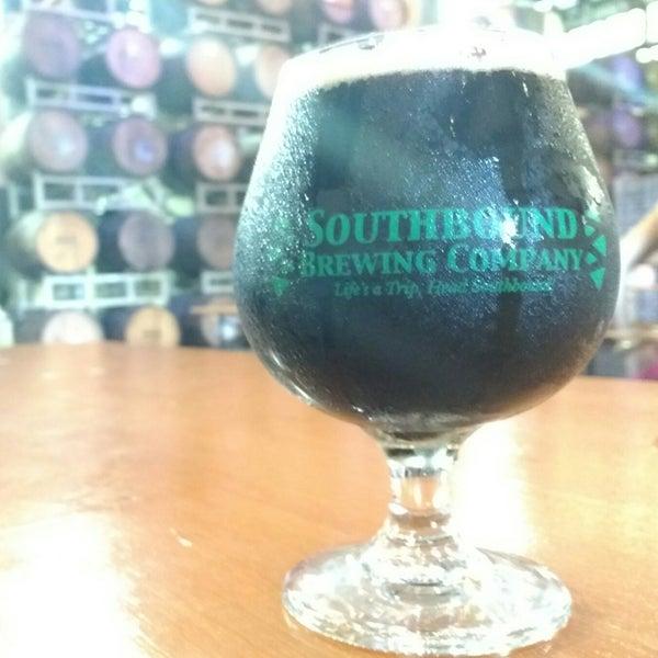 Das Foto wurde bei Southbound Brewing Company von BeerGeekATL E. am 7/21/2018 aufgenommen