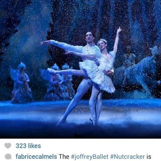Foto diambil di Auditorium Theatre oleh Fabrice C. pada 12/5/2013