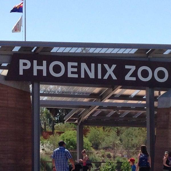 Foto tomada en Phoenix Zoo por Linda J. el 4/16/2013