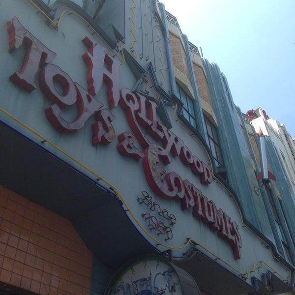 5/28/2014에 Erick E.님이 Hollywood Toys & Costumes에서 찍은 사진