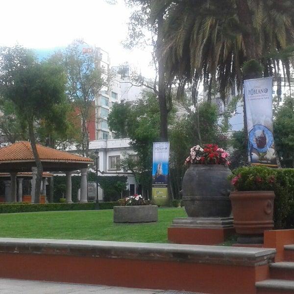 รูปภาพถ่ายที่ Hacienda de Los Morales โดย Pammy R. เมื่อ 7/24/2013