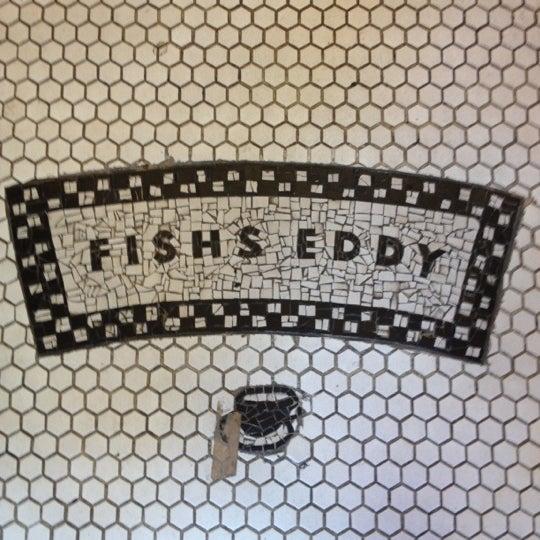 Das Foto wurde bei Fishs Eddy von Rebecca B. am 10/21/2012 aufgenommen