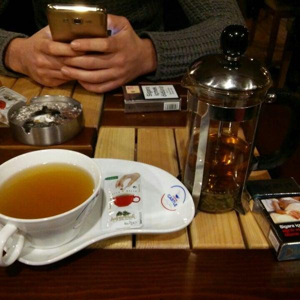 Photo prise au Coffee Castle par OKAN A. le1/29/2016