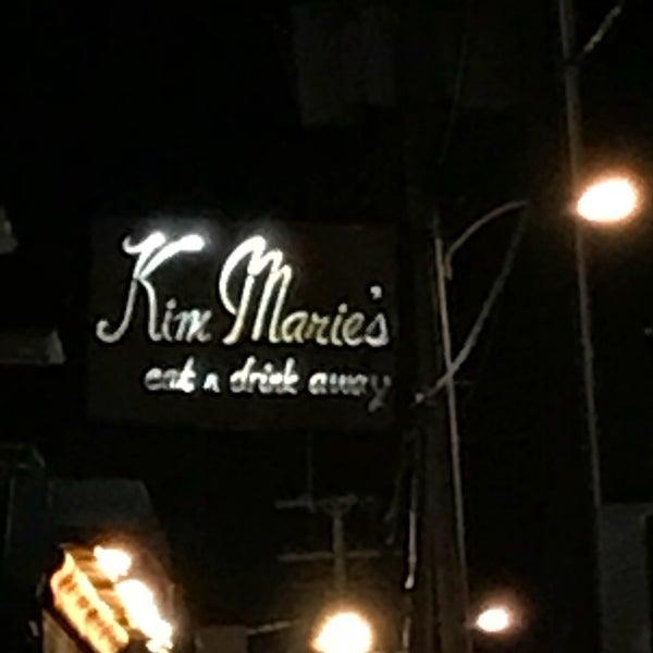 Foto tirada no(a) Kim Marie's Eat n Drink Away por Carol W. em 11/11/2017