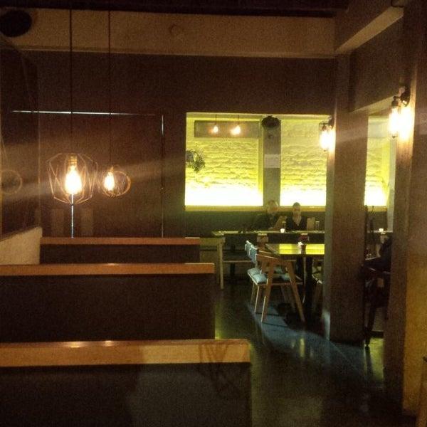 Foto scattata a Lázaro Comedor & Bar da Karina S. il 12/5/2015