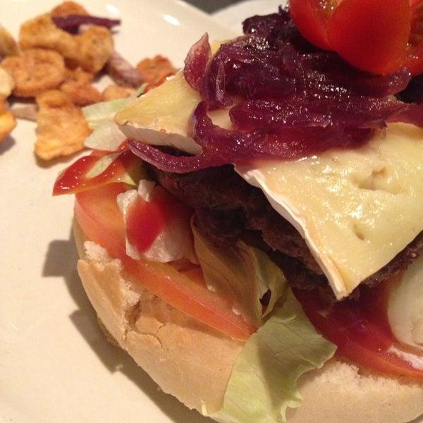 Foto tirada no(a) Restaurante Onze por Sonia E. em 11/14/2013