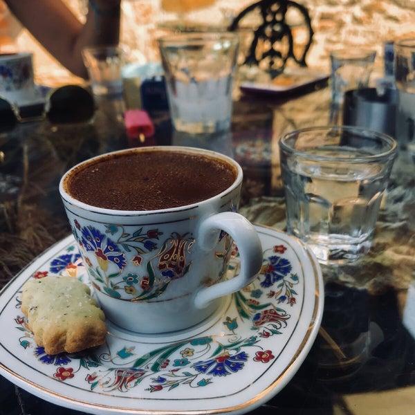 8/7/2018에 Beneyna K.님이 Üzüm Cafe에서 찍은 사진