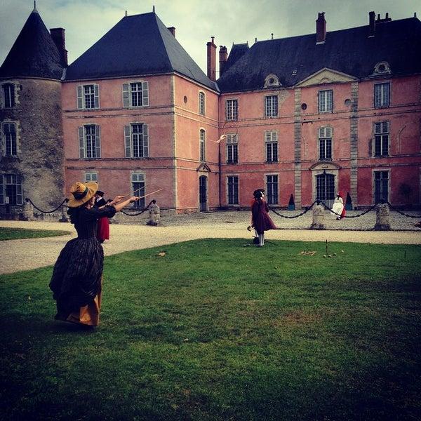 Foto diambil di Château de Meung-sur-Loire oleh Warptime T. pada 8/23/2014