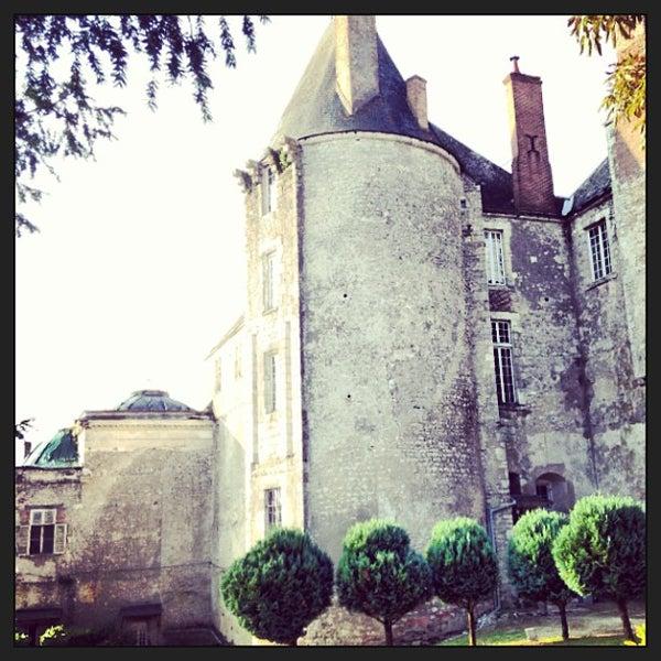 Foto diambil di Château de Meung-sur-Loire oleh Warptime T. pada 8/24/2013