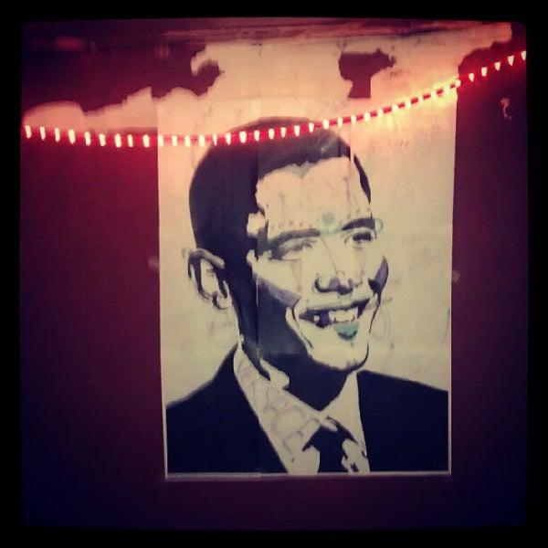 Das Foto wurde bei Nowhere Bar von Chauncey D. am 10/2/2012 aufgenommen