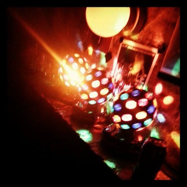 Das Foto wurde bei Nowhere Bar von Chauncey D. am 12/30/2012 aufgenommen