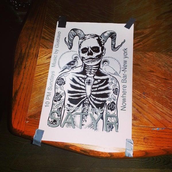 Das Foto wurde bei Nowhere Bar von Chauncey D. am 10/31/2013 aufgenommen
