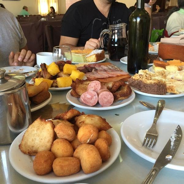 Foto tirada no(a) Coelho Café Colonial por   Łęonąrdo R. em 8/1/2015