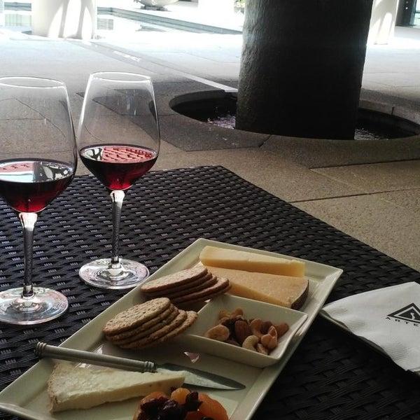 Das Foto wurde bei Artesa Vineyards & Winery von Treasure D L. am 7/21/2013 aufgenommen