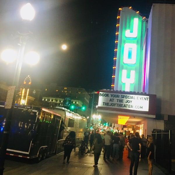 รูปภาพถ่ายที่ The Joy Theater โดย Georgia G. เมื่อ 9/24/2018