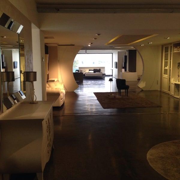 Fotos bei Lops mobili - Möbel- / Einrichtungsgeschäft in Trezzano ...