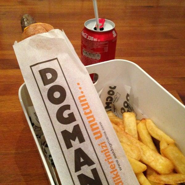 รูปภาพถ่ายที่ Dogmania โดย Burcu B. เมื่อ 11/9/2013