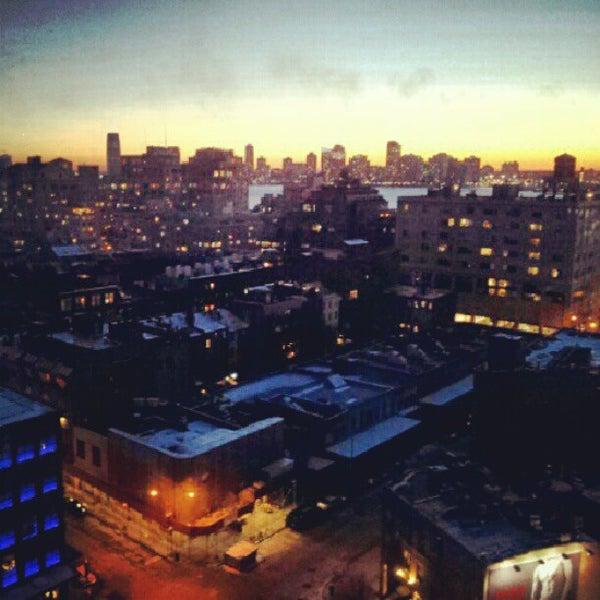 Foto scattata a Plunge Rooftop Bar & Lounge da Sarunas R. il 1/26/2013
