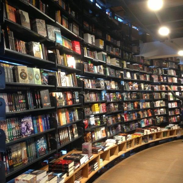 Foto tirada no(a) The American Book Center por The T. em 8/11/2013