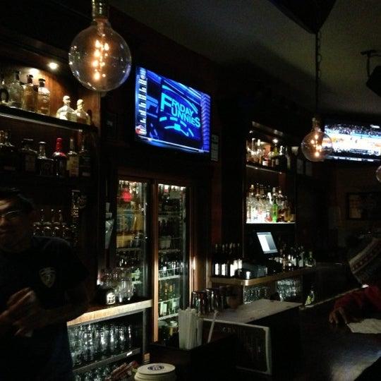 Foto diambil di Beer Authority NYC oleh Omarr C. pada 11/10/2012