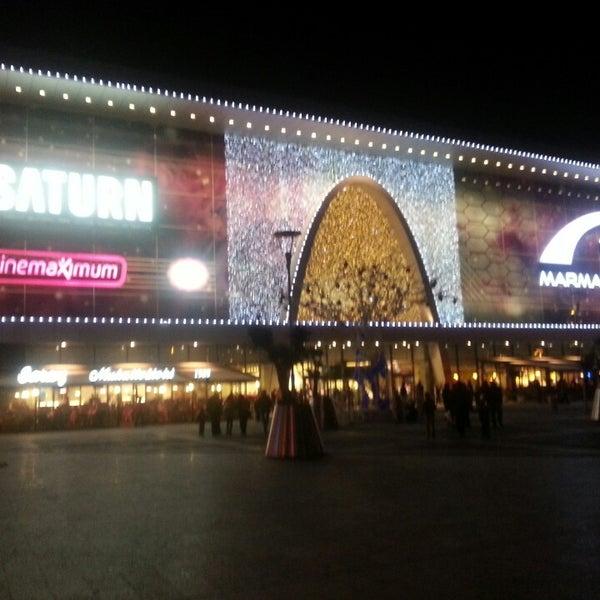 Снимок сделан в Marmara Park пользователем YALNIZLIK . 11/3/2013