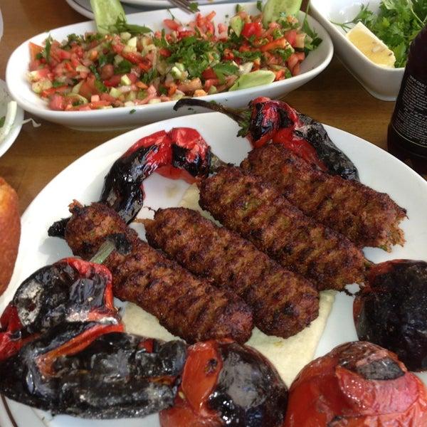 10/1/2013にMamiがÇulcuoğlu Restaurantで撮った写真