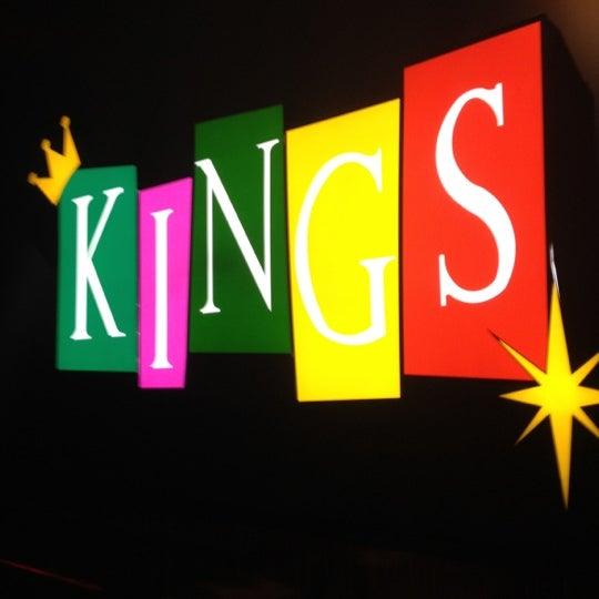 Снимок сделан в Kings Dining & Entertainment пользователем Kevin B. 11/14/2012