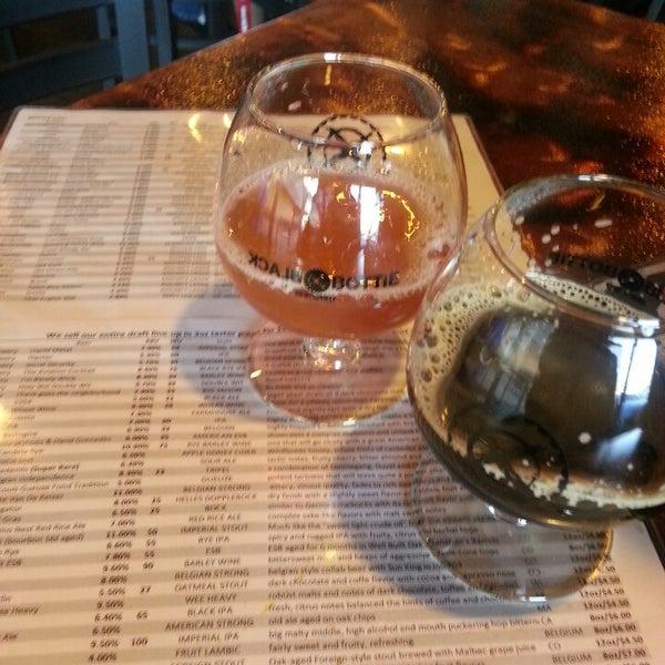 Das Foto wurde bei Black Bottle Brewery von Kathleen M. am 2/17/2013 aufgenommen