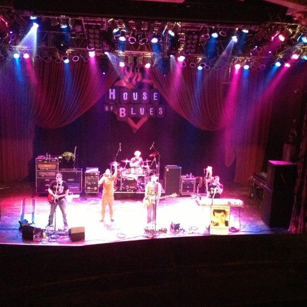 Foto diambil di House of Blues oleh Kurt E Z. pada 12/21/2012