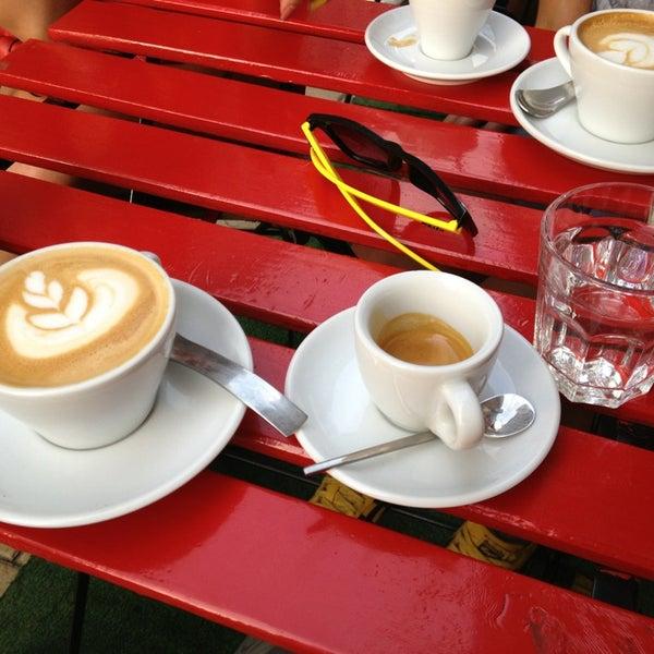 8/23/2013에 Zsuzsi S.님이 Tamp & Pull Espresso Bar에서 찍은 사진