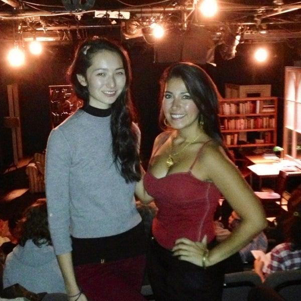 9/27/2013にcarolina H.がRattlestick Playwrights Theaterで撮った写真