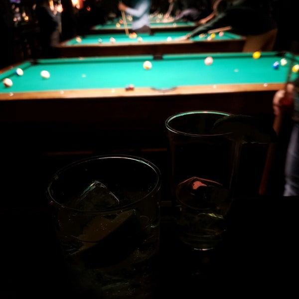 Foto tomada en Society Billiards + Bar por Dorothy el 3/1/2020
