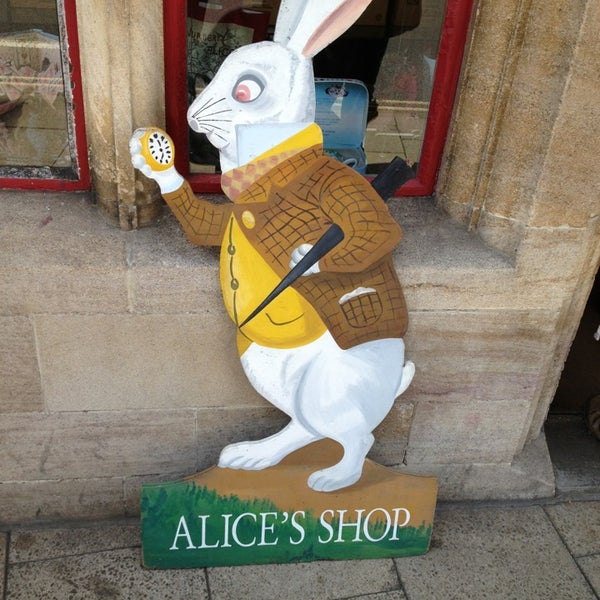 9/7/2013 tarihinde Ryan C.ziyaretçi tarafından Alice's Shop'de çekilen fotoğraf