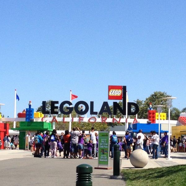 Foto tirada no(a) Legoland California por Deanna K. em 6/19/2013