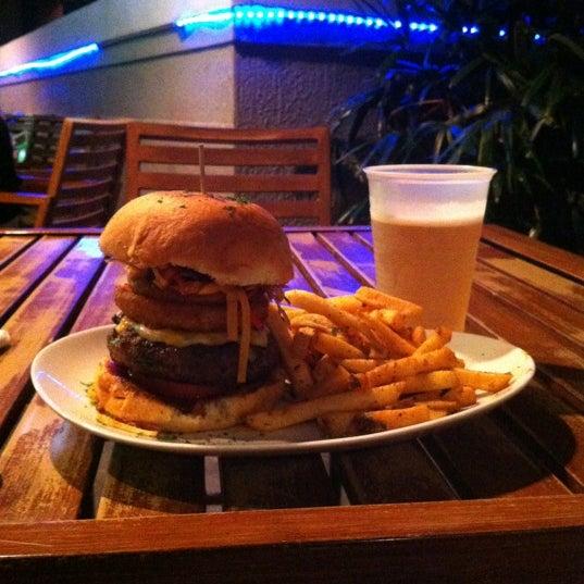 10/20/2012にEvol J.がTeak Neighborhood Grillで撮った写真
