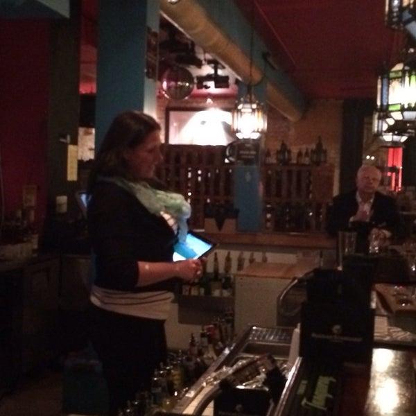1/31/2014에 Lisa J.님이 Mosaic Wine Lounge에서 찍은 사진