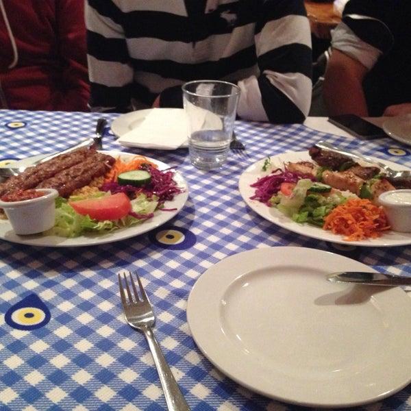 11/14/2014에 Hatice B.님이 Anatolia Restaurant에서 찍은 사진