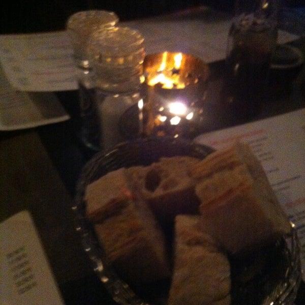 Photo prise au Noa Resto-Lounge-Bar par Yentl v. le12/30/2014