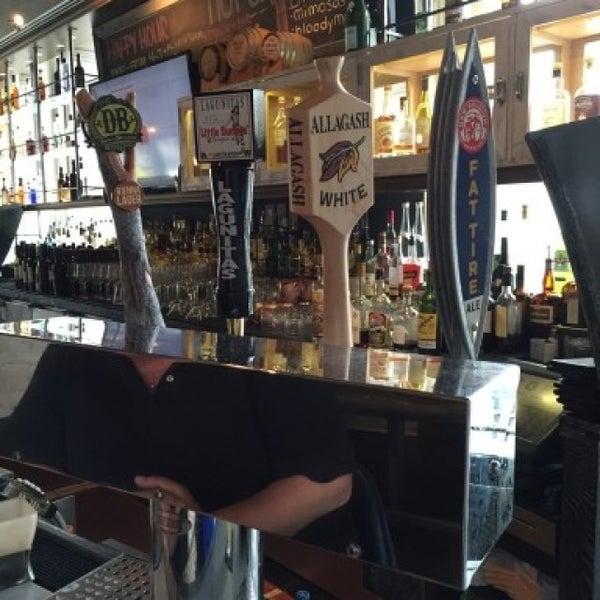 Photo prise au NoPa Kitchen + Bar par Bradley H. le6/3/2016