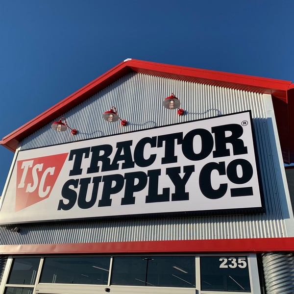b7dbf32bf9fb Tractor Supply Co - Hardware Store