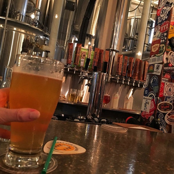 9/8/2017에 Mike S.님이 Caboose Brewing Company에서 찍은 사진
