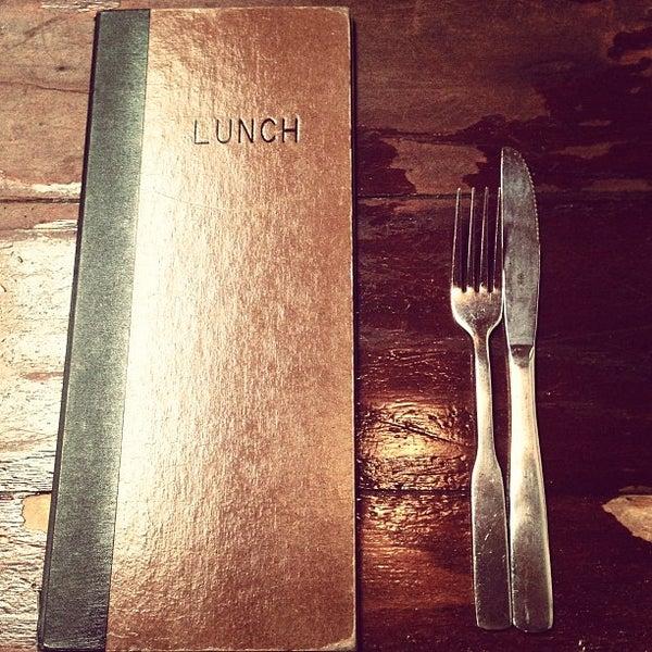 Das Foto wurde bei Mo's Restaurant von Eric L. am 6/13/2013 aufgenommen