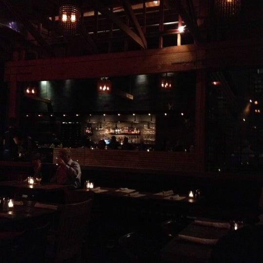 Foto tirada no(a) Bankers Hill Bar & Restaurant por kyle k. em 10/12/2012