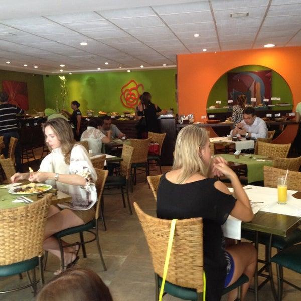9/1/2013 tarihinde Wanessa C.ziyaretçi tarafından Limone Restaurante e Café'de çekilen fotoğraf