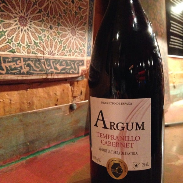 8/14/2014에 Mario S.님이 Mosaic Wine Lounge에서 찍은 사진